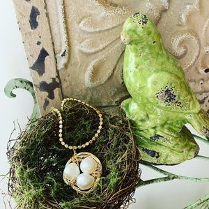 Jewelry - Wired birds nest made with pearls